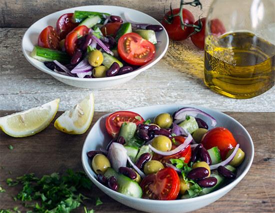 Салат с пормезанами и фасолью