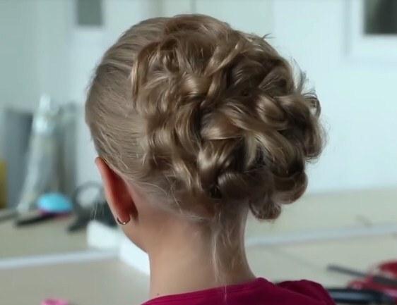 хвостик-пучок средние волосы