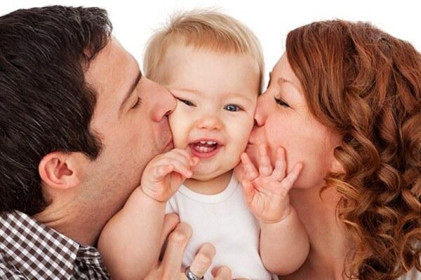 любящие родители ребенка