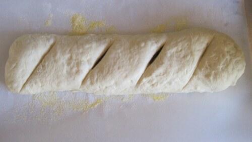 батон из теста, хлеб