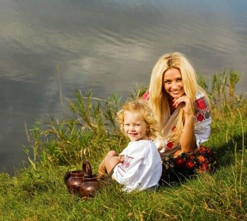Славянка мама и дочка