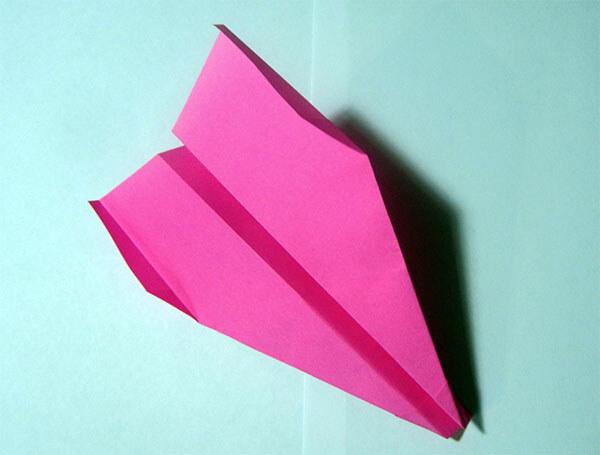 Классический самолет из бумаги
