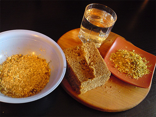 Маска из хлеба, чеснока, уксуса