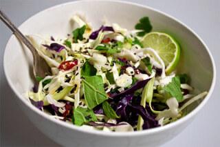 салат содержит витамины полезные для глаз