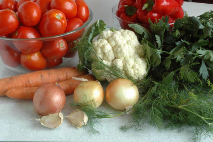Цветная капуста, помидоры, лук