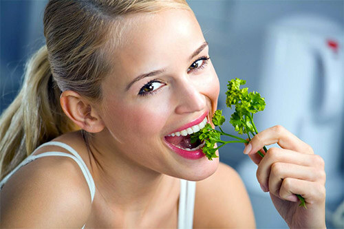Зелень для профилактики запаха изо рта
