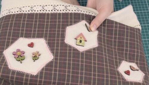 пришивание пуговиц к сумке