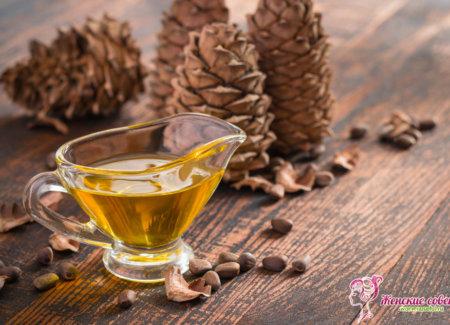 Кедровое масло и шишки кедра