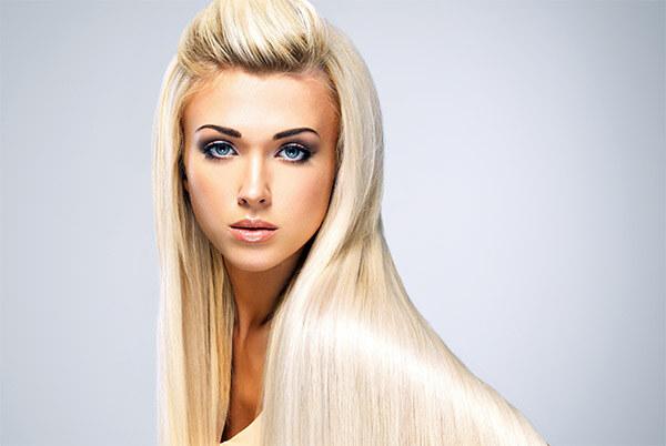 Выпрямленные длинные волосы