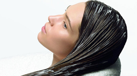 маска с димексидом на волосах у девушки