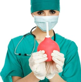 Клизма для очищения кишечника
