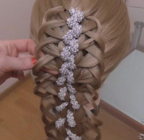 ажурная праздничная коса с лентой