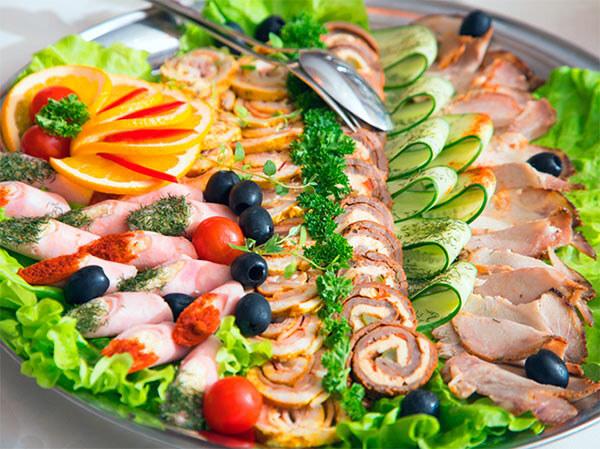 Праздничное застолье, красивое и вкусное блюдо