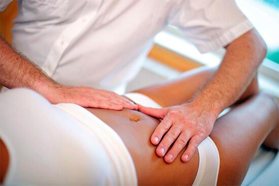 Ручной массаж живота