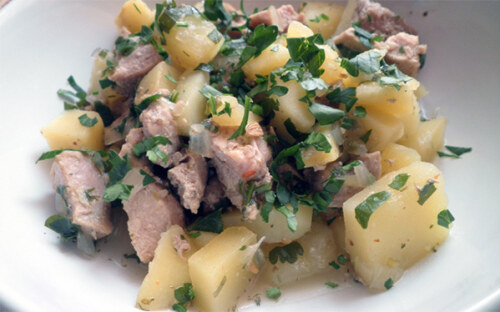 Тушенная картошка со свининой