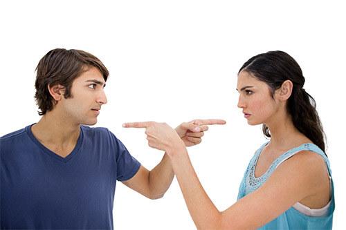 Партнеры, муж и жена спорят