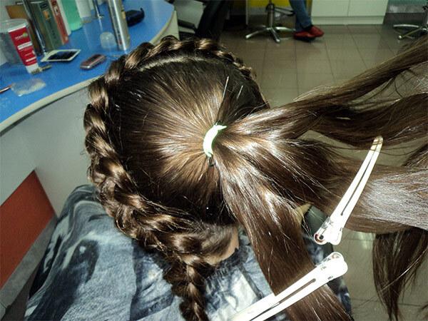 Укладка косы у девочки на длинные волосы