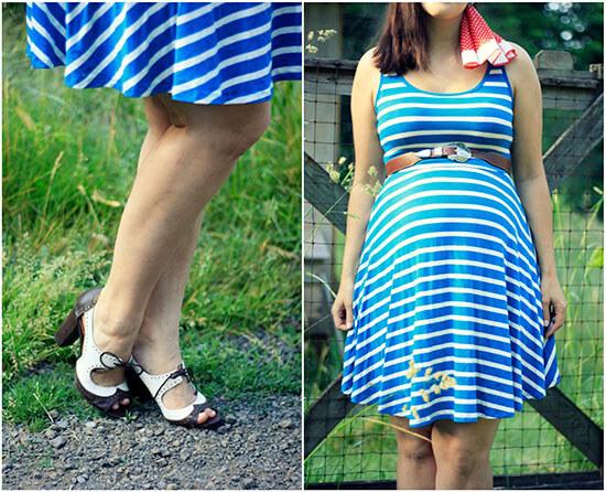 полосатое-синее-платье-для-полных