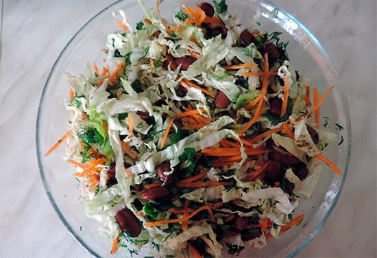 Весенний салат с фасолью