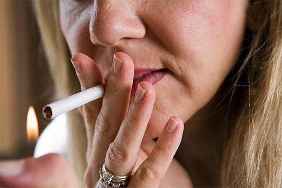 Курение причина неприятного запаха изо рта
