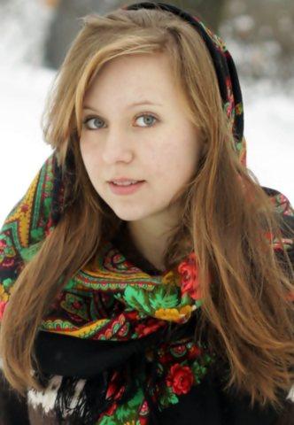 Славянская девушка с овальным лицом