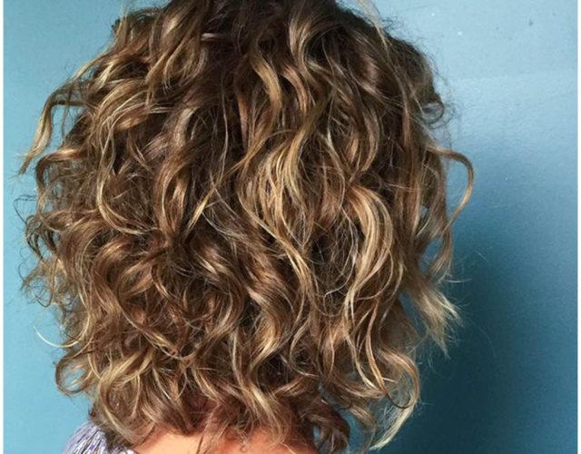 Боб каре кудрявые волосы