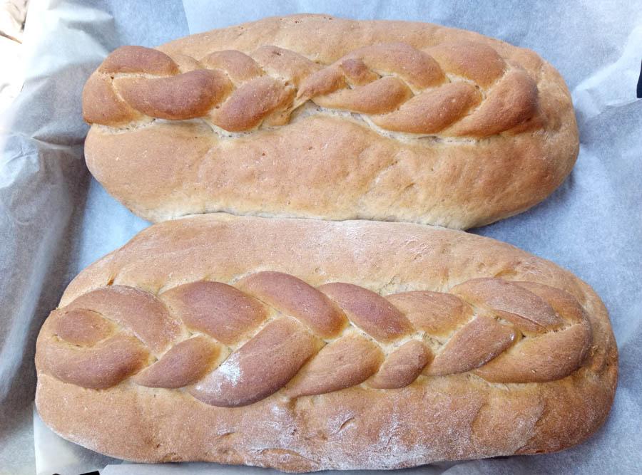запеченный хлеб в духовке, батон