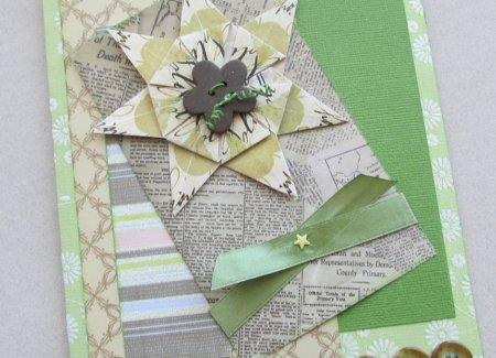 Декор из бумаги на подарочной открытке